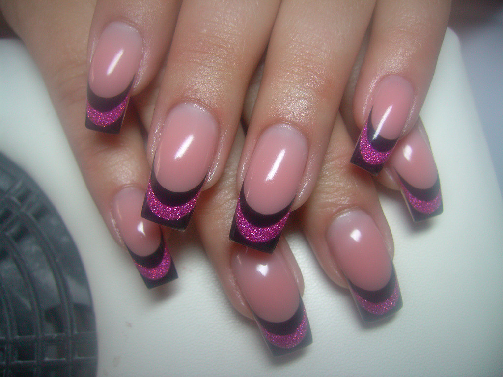 nail designs top 10 easy pretty designs for short and long nails. Black Bedroom Furniture Sets. Home Design Ideas