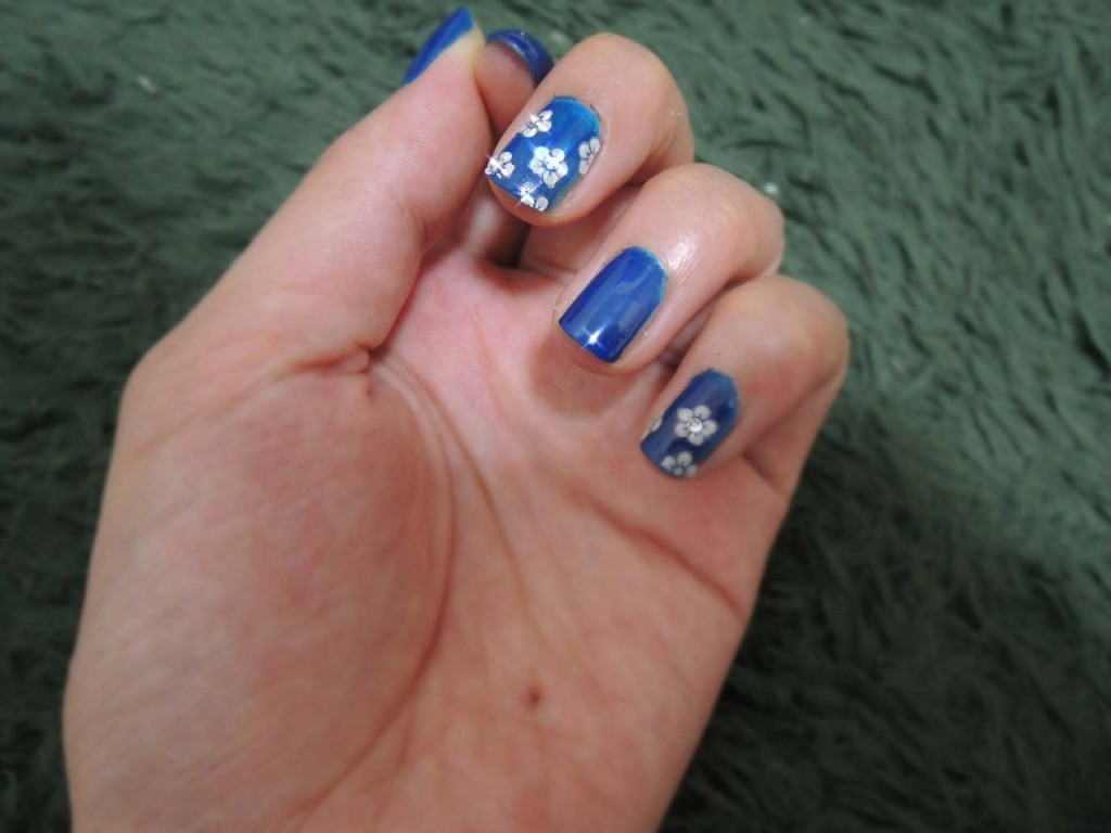 Nail designs top 10 easy pretty designs for short and long nails flower nail designs prinsesfo Gallery