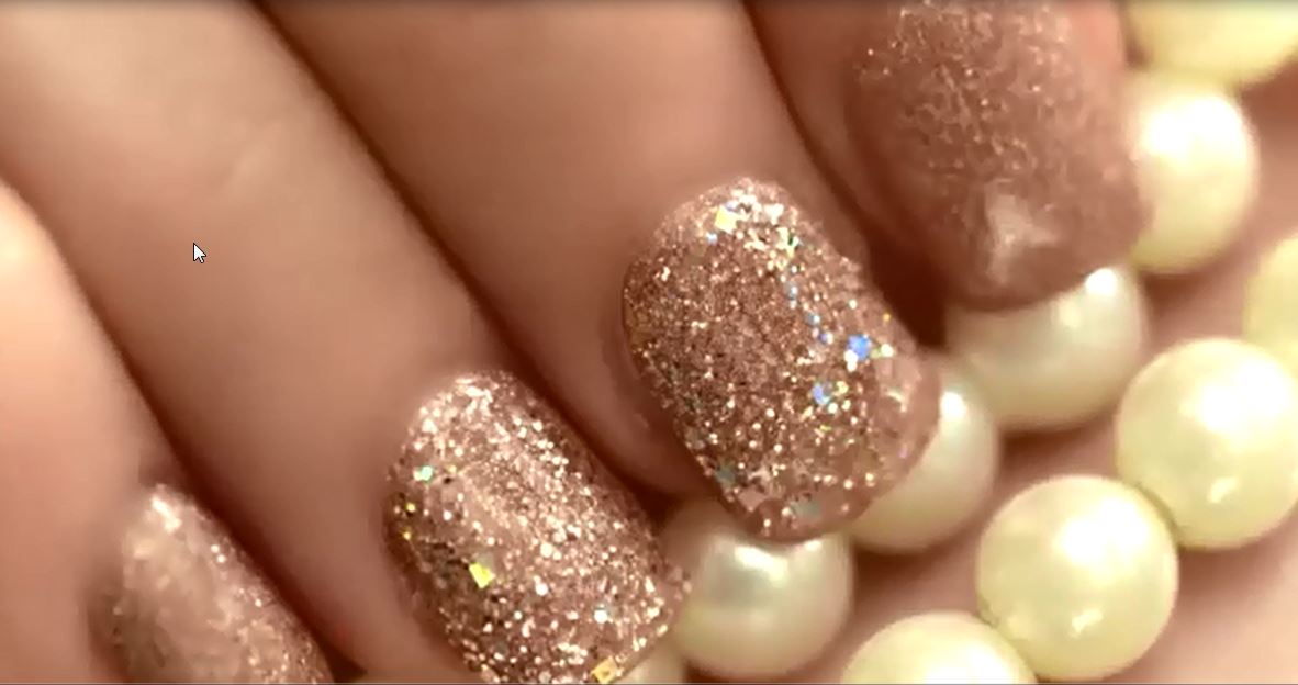 Nails for prom pictures and ideas to look like a hollywood star nails for prom prinsesfo Gallery