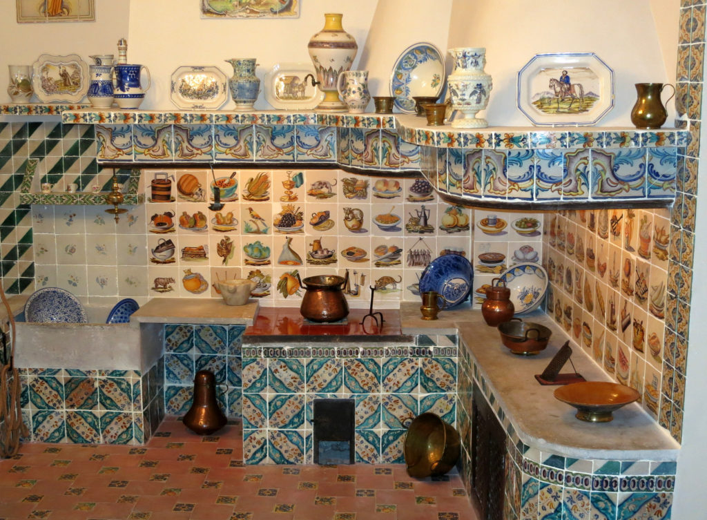 traditional Valencian kitchen