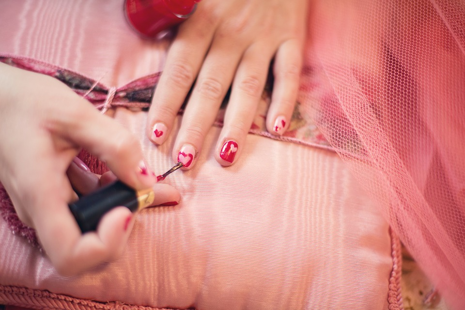 A Quick-and-Dirty Guide to Doing Your Nails like a Pro