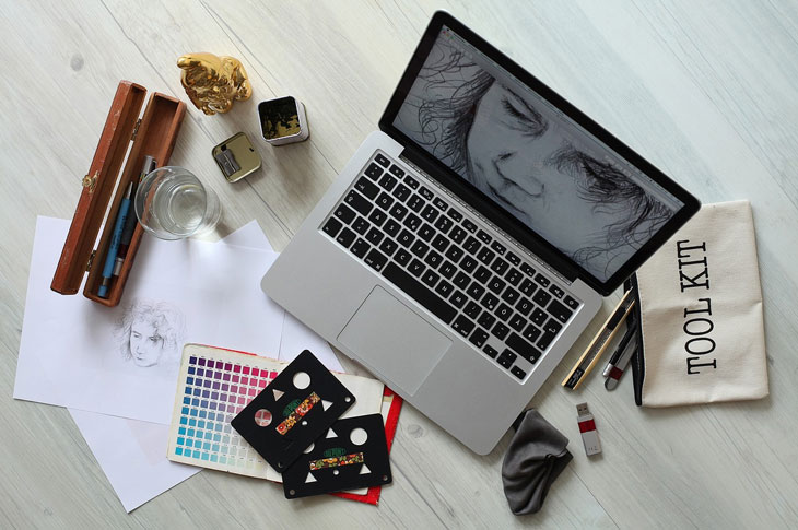 Tools of doing a graphic design and inspirational script