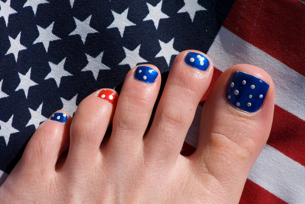 Ten Patriotic 4th of July Nail Ideas to Consider
